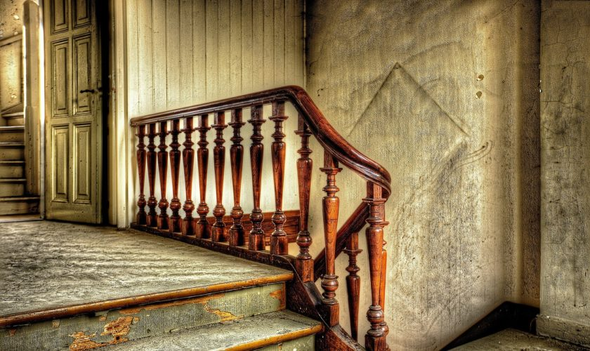 stairs-426389_1920