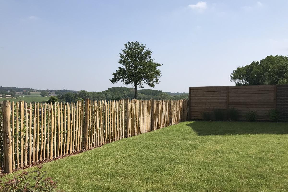 Quels sont les avantages d'une clôture en châtaignier ?